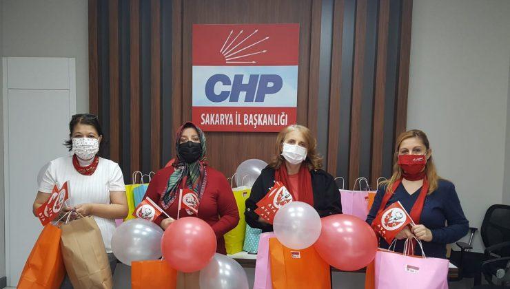 23 Nisan'da CHP Kadın Kollarından çocukları sevindiren süpriz
