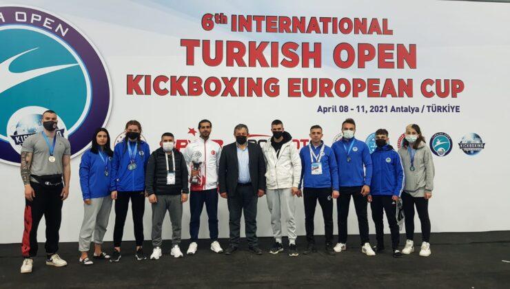 Antalya'da düzenlenen 6. Uluslararası Türkiye Açık Kick Boks Avrupa Kupası (Turkish Open) tamamlandı.