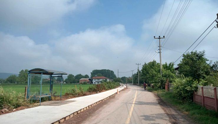 Doğancılarda beton yaya yolu tamamlandı  Büyükşehir Adapazarı Doğancılar Mahallesinde bin 300 metrelik beton yaya yolu imalatını tamamladı.