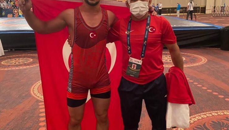 Büyükşehir Güreş Takımı sporcusu dünya şampiyonu oldu