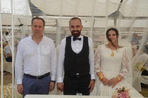 Mükerem Koç oğlu Ahmet Koç'u muhteşem bir düğünle evlendirdi