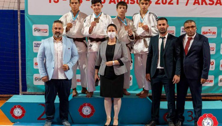 Judocu Sporcular Madalyalarla döndü