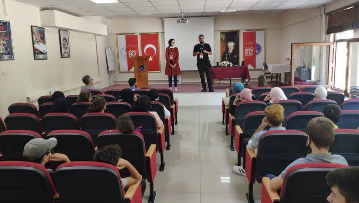 Serdivan Gençlik Merkezi 'Biz Anadoluyuz' diyor