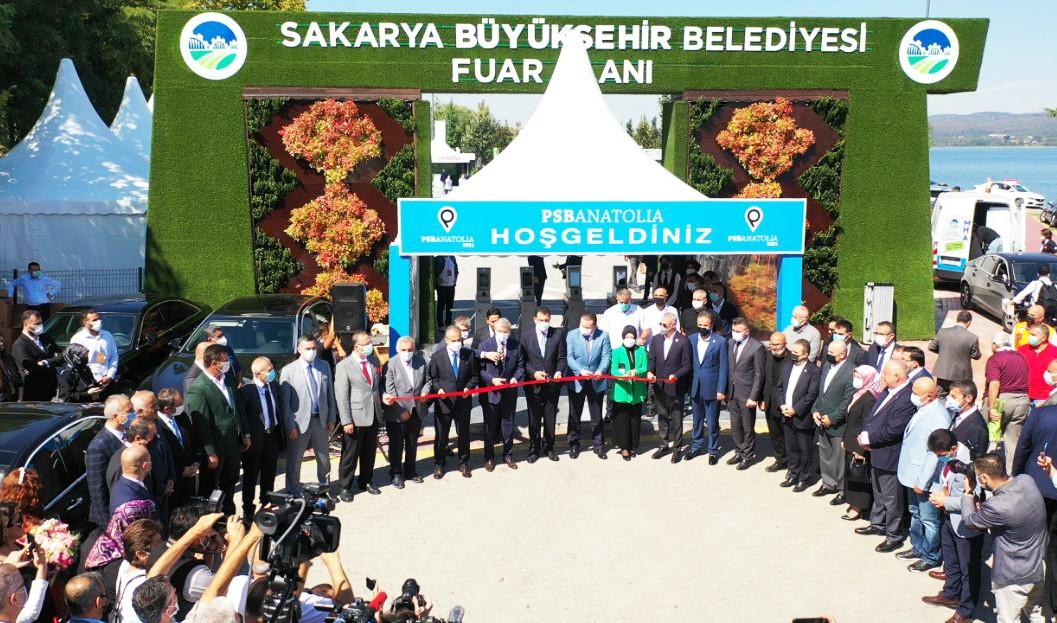 Sektörün kalbi Sakarya'da atıyor 'Lokomotif şehir Sakarya' dev fuarla kapılarını bu kez dünyaya açtı