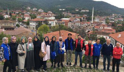 Serdivan Gençlik Merkezinden Taraklı Çıkarması