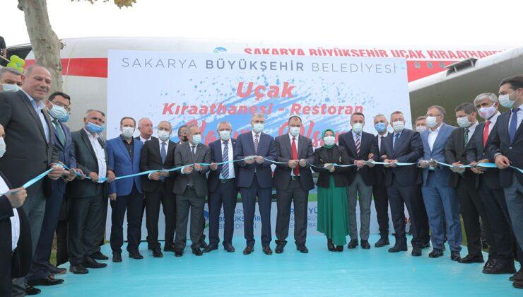 """Sakarya, bir ilk olan yeni mekanına kavuştu  """"Büyükşehir Uçak Kıraathanesi şehrin hatıra merkezi olacak"""""""