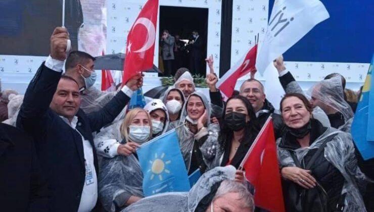 İYİ Parti Sakarya Teşkilatı Halıç Kongre Merkezine çıkarma yaptı